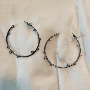 KENDRA SCOTT Gunmetal Hoop Earrings
